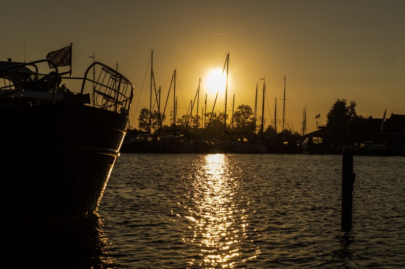 Inspiration of success mindset – port near sunset