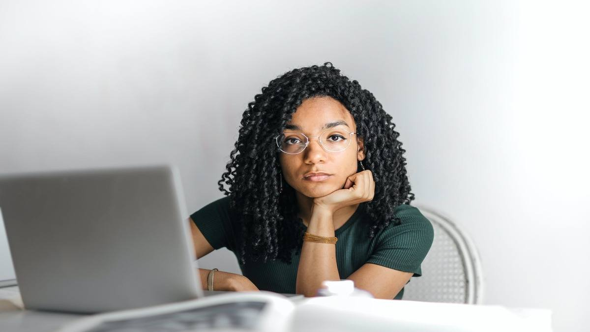 woman waiting for email