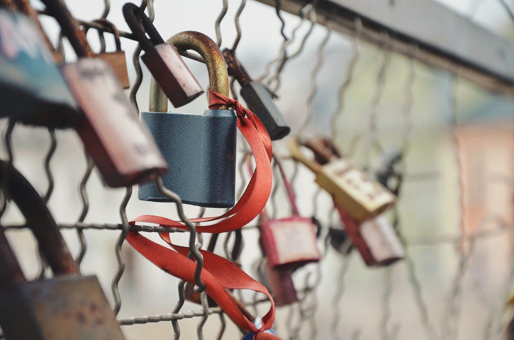 locking-in-customers-1024x678