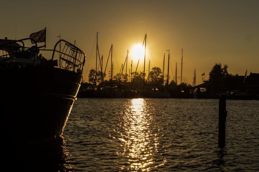 3_harbor-harbour-port-3576-826x550