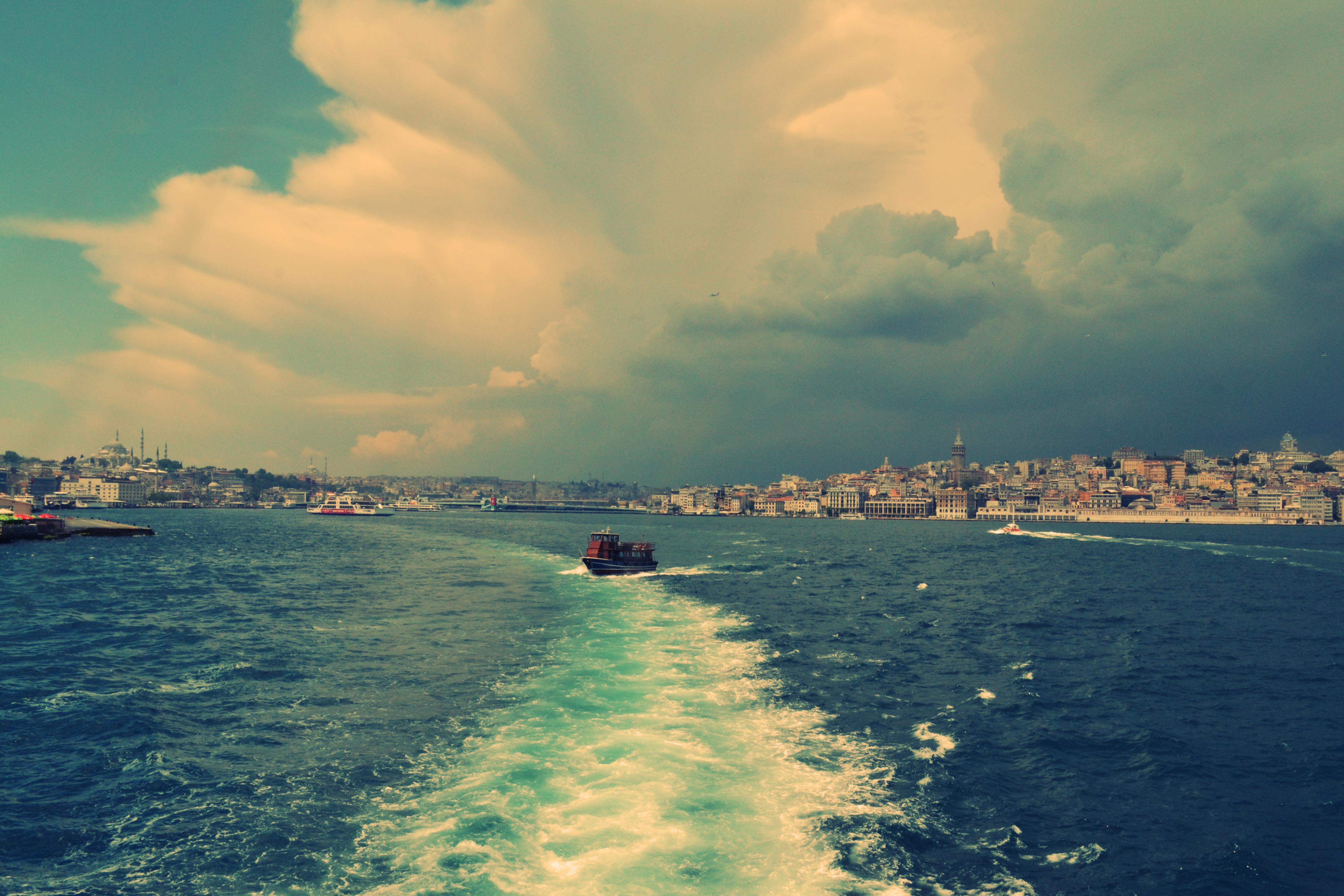 sea-city-sky-clouds