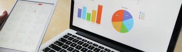 экран компьютера, на котором статистические данные для анализа результатов автоматизации маркетинга