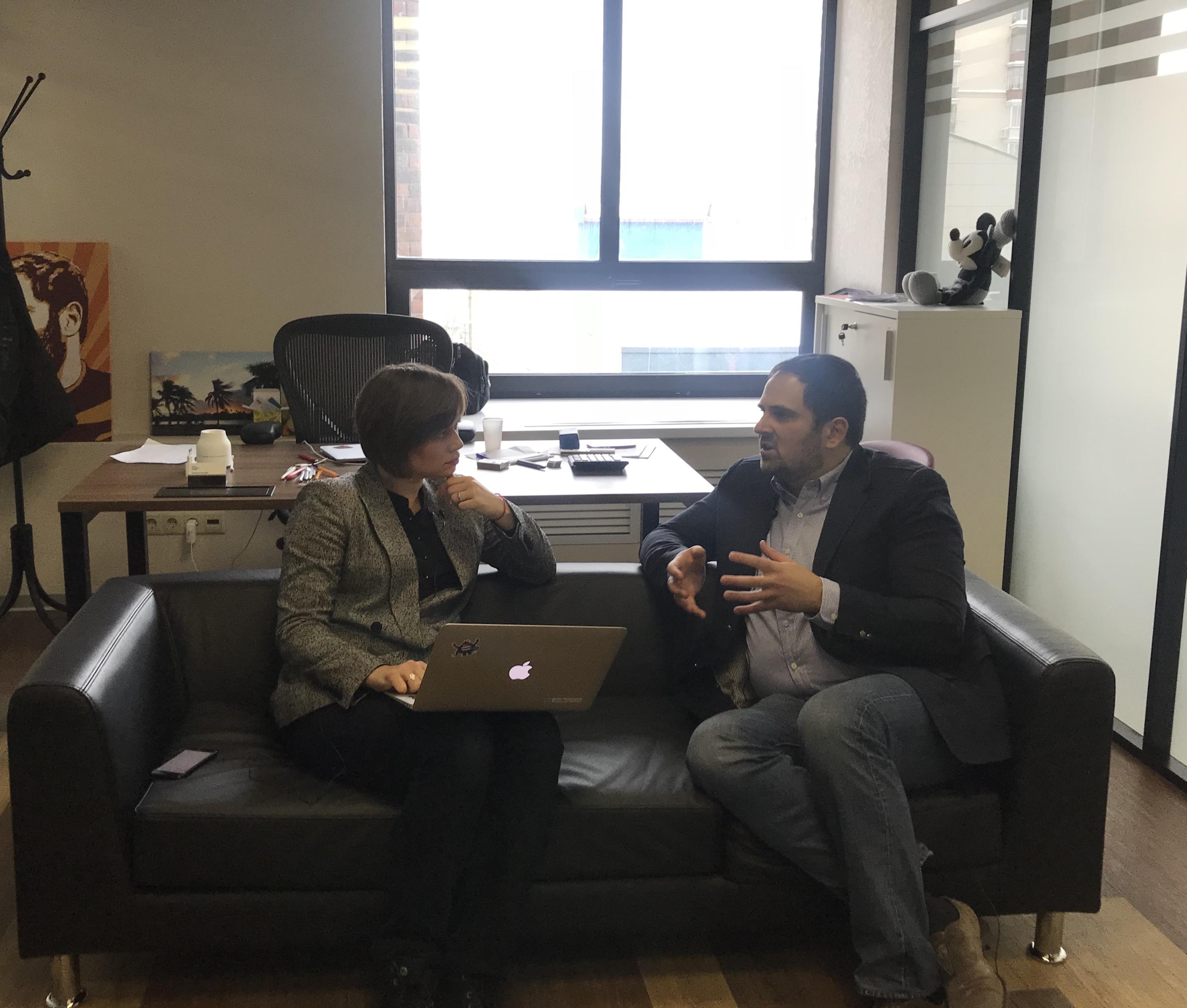Интервью Директора по маркетингу в ГетРеспонс Юлии Раковой с Владимиром Смеркисом, со основателем платформы для криптотрейдинга TokenBox