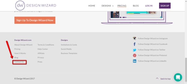 Использование фотография с указанием на ссылку в футере сайта для облегчения взаимодействия подписчиков с брендом