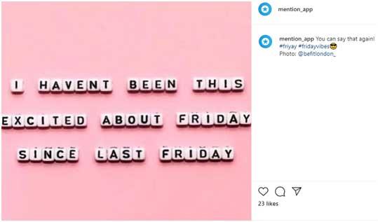 Цитата на английском языке в форме белых кубиков на розовом фоне
