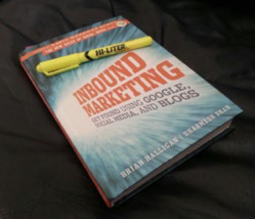 """Książka """"Inbound Marketing"""" pozwoliła mi opanować tajniki ówczesnego kształtu marketingu internetowego i sprawiła, że zainteresowałem się tematem automatyzacji marketingu."""